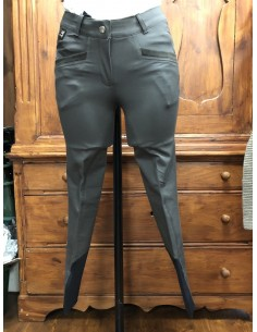 Equiline woman breeches Reina